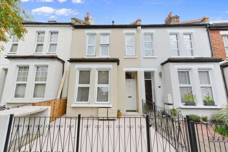 2 Bedrooms Flat for sale in Connaught Road, Ealing, W13