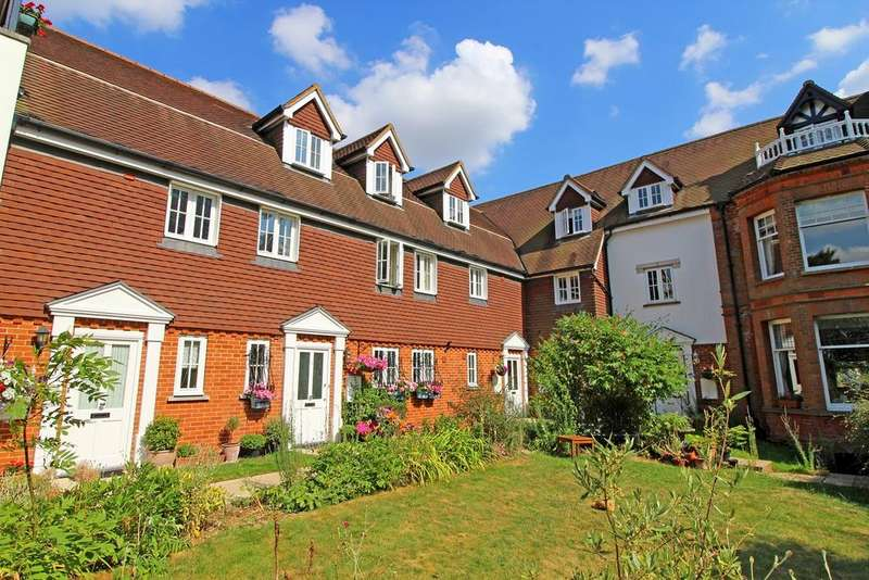 4 Bedrooms Town House for sale in Roxley Manor, Willian, Letchworth Garden City, SG6
