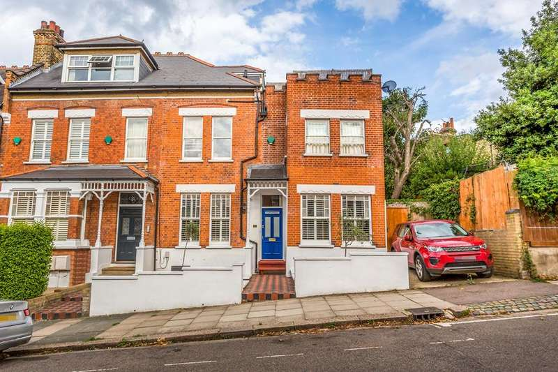 3 Bedrooms Flat for sale in Hillfield Avenue, Crouch End, London, N8