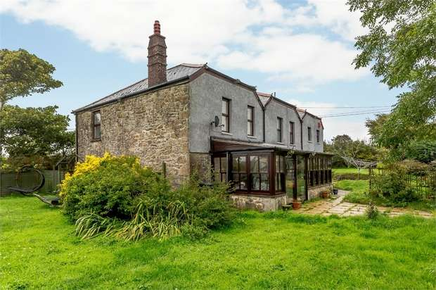 5 Bedrooms Detached House for sale in Croft Mitchell, Troon, Camborne, Cornwall