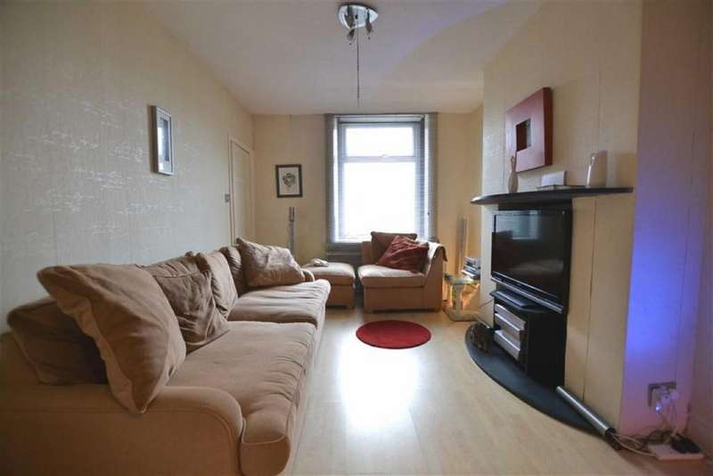3 Bedrooms Terraced House for sale in Wellhouse Road, Barnoldswick, Lancashire