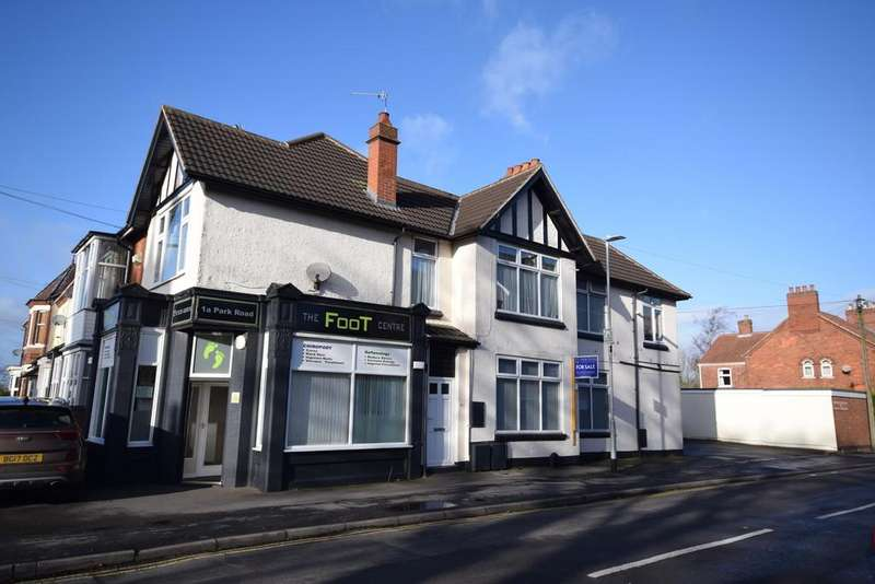 3 Bedrooms Apartment Flat for sale in Park Road, (x1 Commercial X2 Flats)