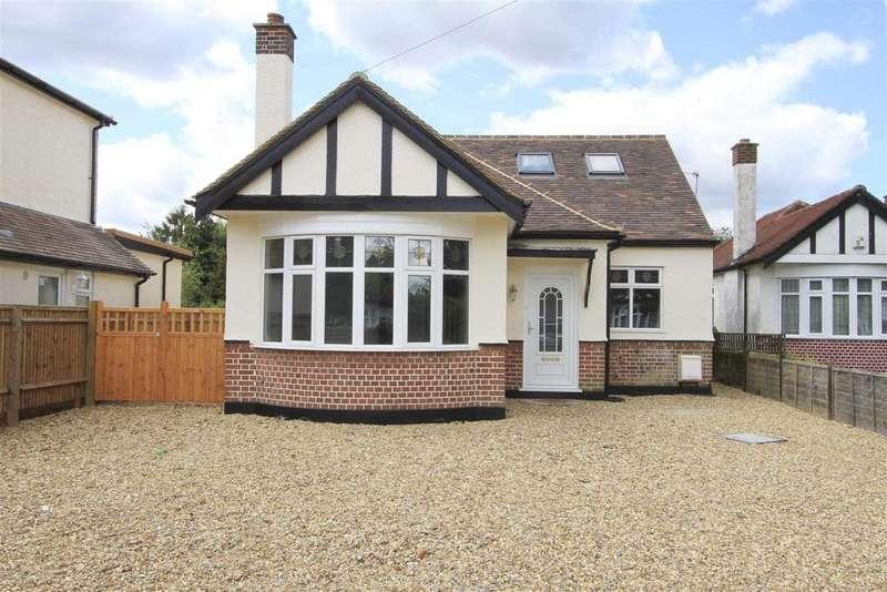 4 Bedrooms Detached Bungalow for sale in Elgar Close, Ickenham