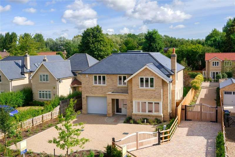 5 Bedrooms Detached House for sale in Oak House, London Road, Harston, Cambridge, CB22