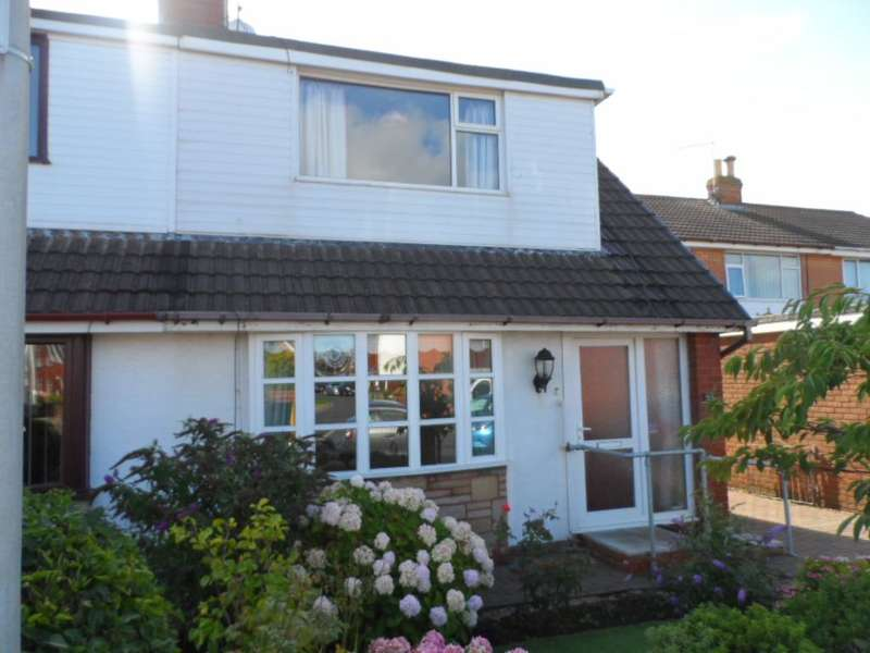 3 Bedrooms Bungalow for sale in Bexley Avenue, Blackpool, FY2 0TE