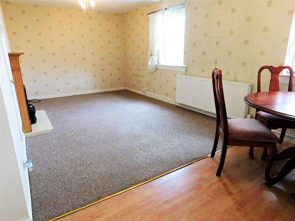 2 Bedrooms Flat for sale in Croall Place, Kelty, KY4