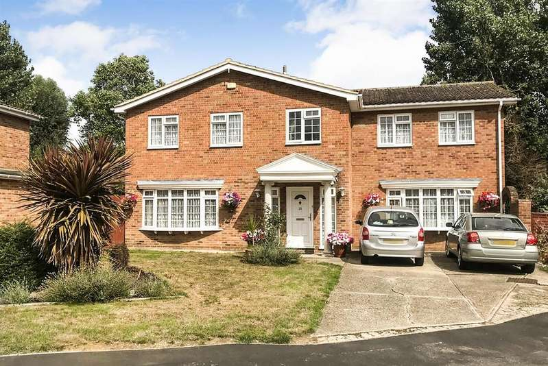 5 Bedrooms Detached House for sale in Kings Way, South Woodham Ferrers