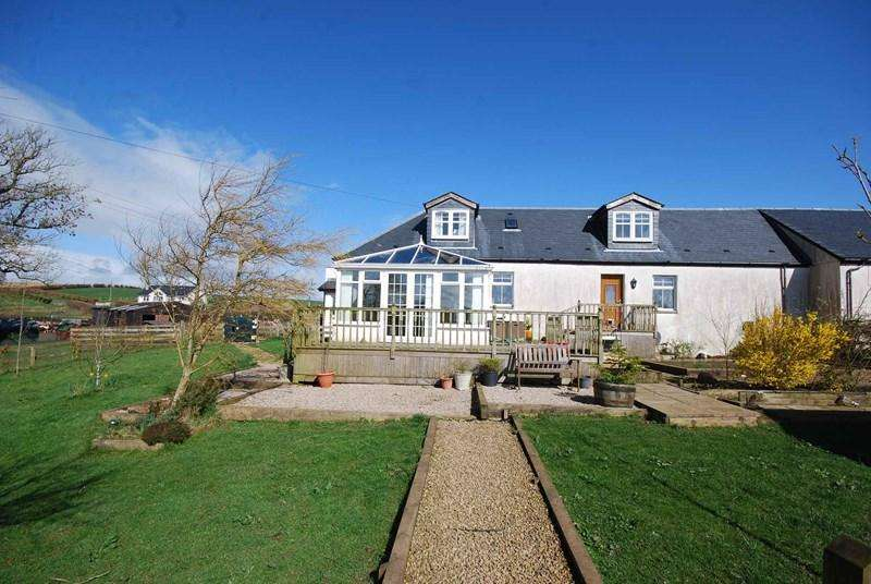 3 Bedrooms Country House Character Property for sale in Apple Cottage, By Mauchline, KA5 6EX
