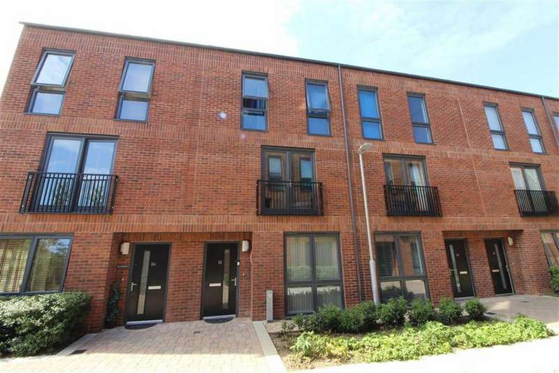 3 Bedrooms Terraced House for sale in Gloucester