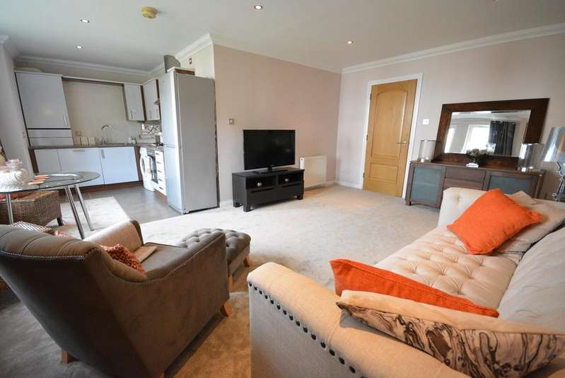 2 Bedrooms Ground Flat for sale in London Road, Kilmarnock, KA3