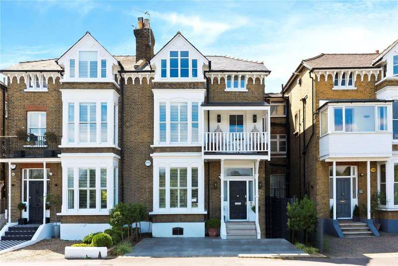 4 Bedrooms Semi Detached House for sale in River Bank, East Molesey, Surrey, KT8