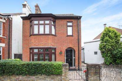 3 Bedrooms Detached House for sale in Union Street, Dunstable, Bedfordshire, England