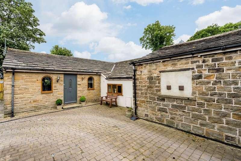 3 Bedrooms Detached Bungalow for sale in Moor Lane, Birkenshaw, Bradford