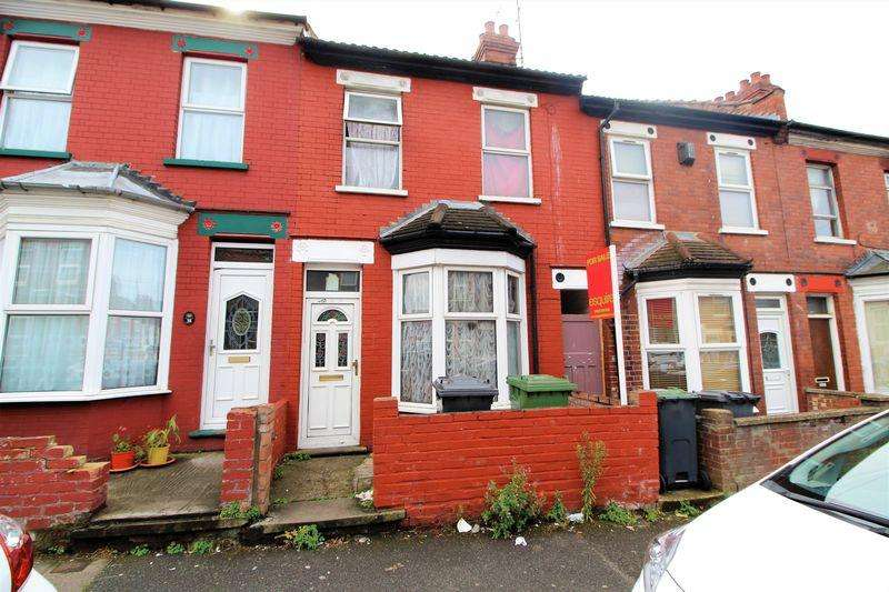 3 Bedrooms Terraced House for sale in Chain Free Property on Spencer Road, Luton