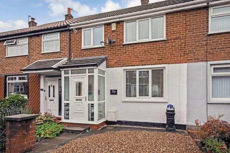 3 Bedrooms Property for sale in Hillside Crescent, Bury