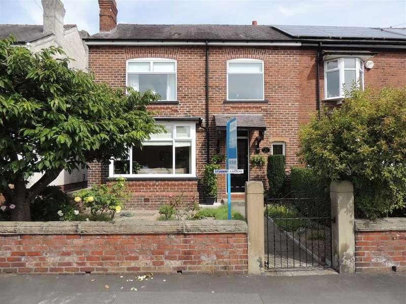 3 Bedrooms Semi Detached House for sale in Douglas Road, Hazel Grove, Stockport