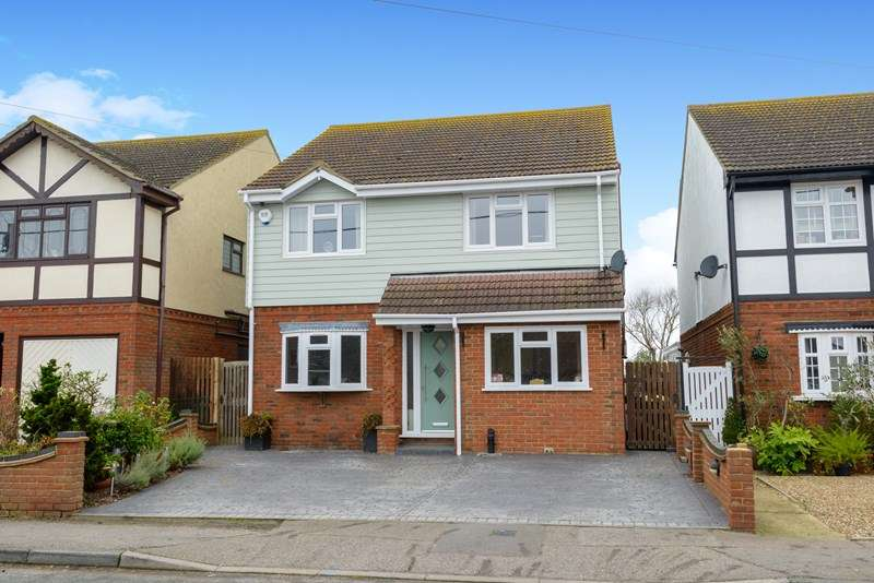 4 Bedrooms Detached House for sale in Village Setting, Little Wakering