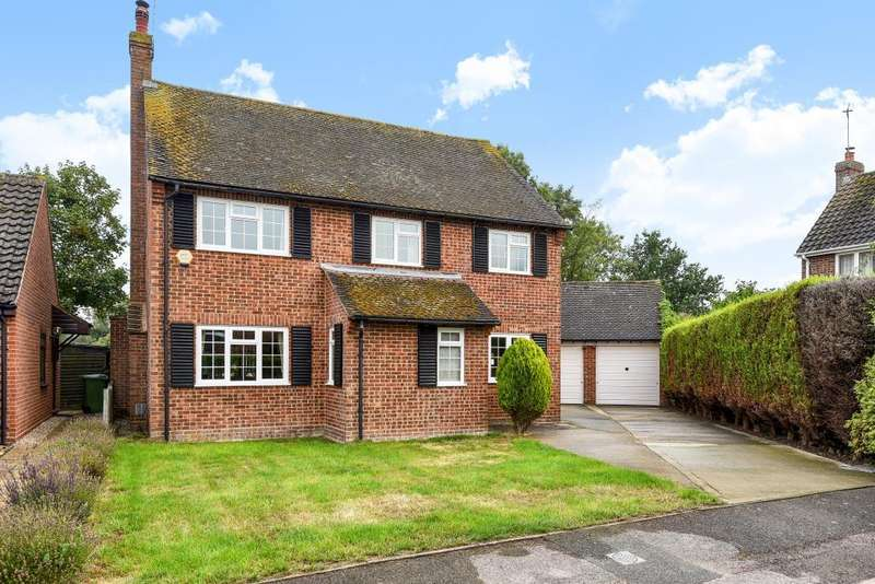 4 Bedrooms Detached House for sale in Oakley, Buckinghamshire, HP18