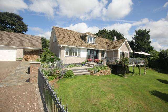 4 Bedrooms Detached House for sale in St Mawgan
