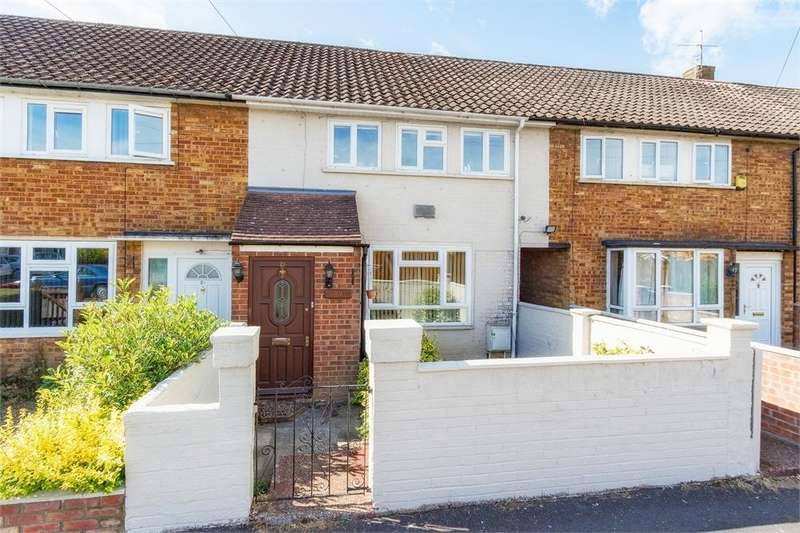 2 Bedrooms Terraced House for sale in Romsey Close, Langley, Berkshire