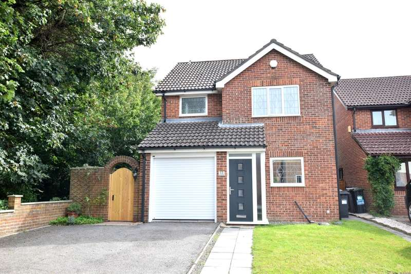 3 Bedrooms Detached House for sale in Hartsbourne Drive, Bournemouth