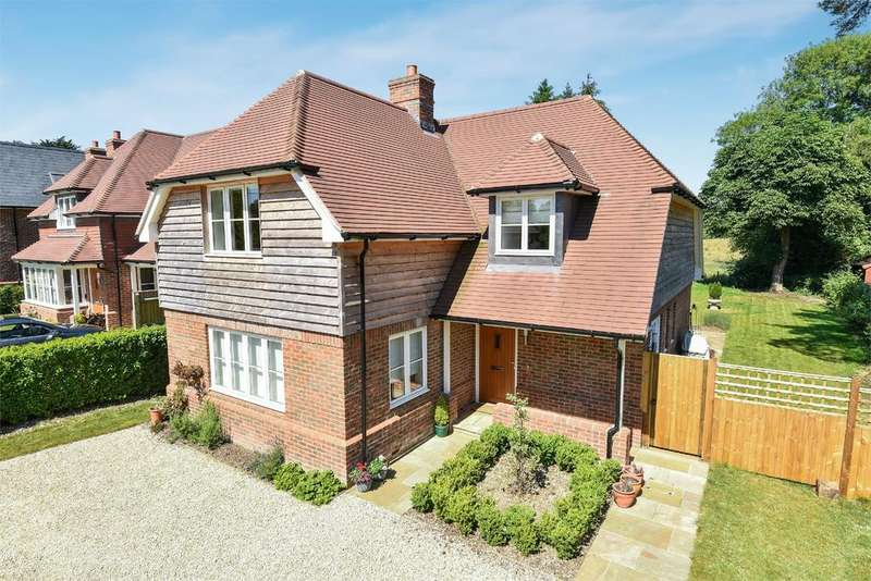 4 Bedrooms Detached House for sale in Lymington Bottom Road, Medstead, Alton, Hampshire, GU34
