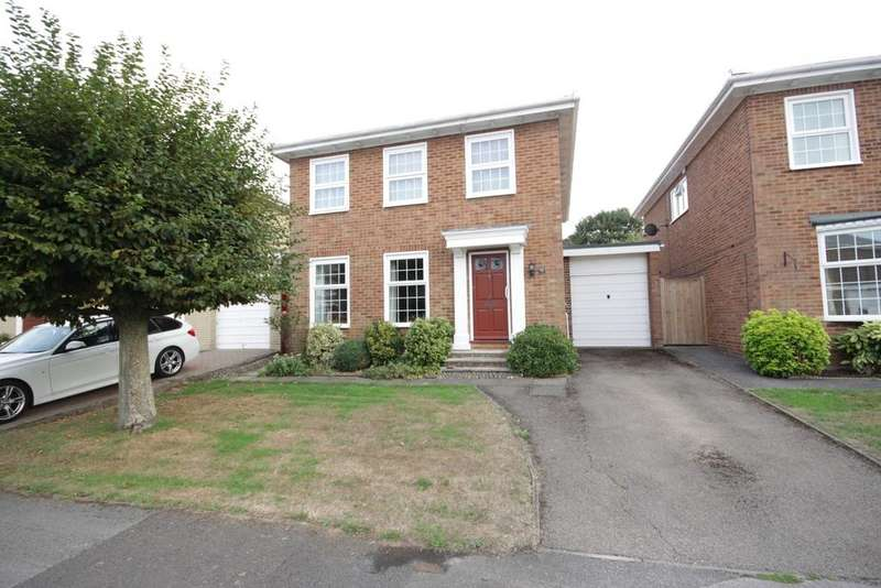 4 Bedrooms Detached House for sale in Cotswold Close, Maidenhead