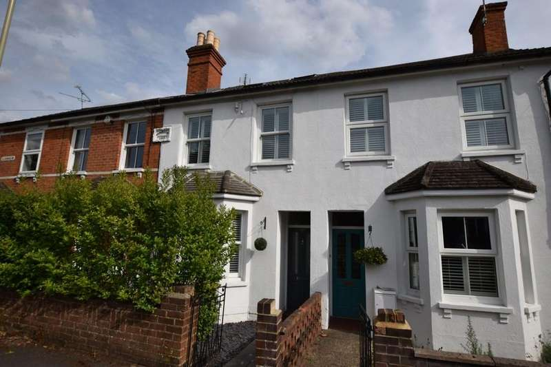 3 Bedrooms Terraced House for sale in Clarence Road, Fleet