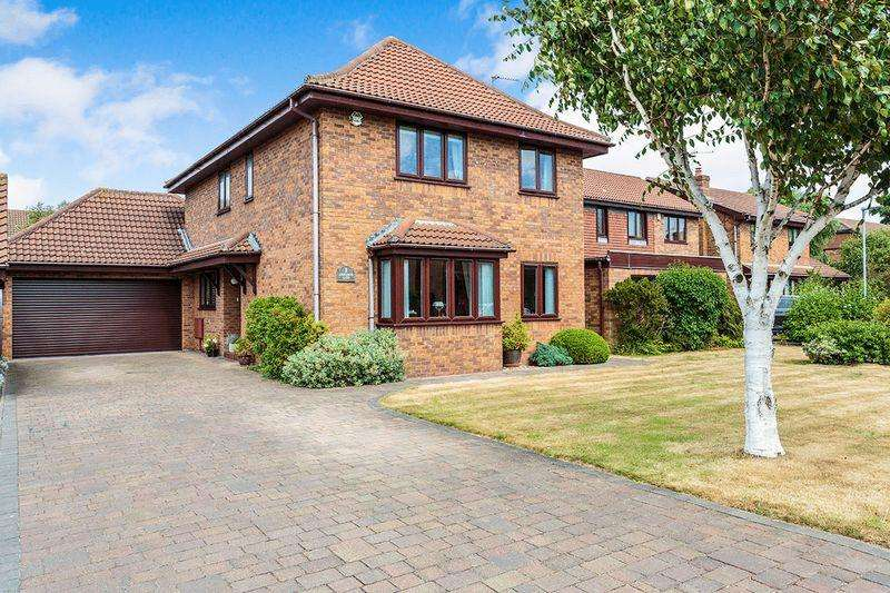 4 Bedrooms Detached House for sale in Ashcombe Gate, Thornton-Cleveleys, FY5 5PB