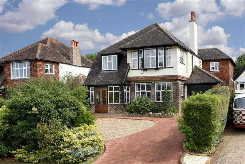 5 Bedrooms Detached House for sale in Hambledon Hill, Epsom, Surrey