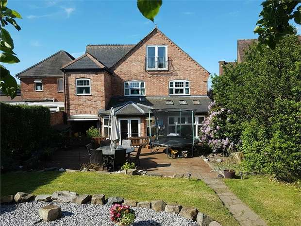 5 Bedrooms Detached House for sale in Burton Road, Midway, Swadlincote, Derbyshire