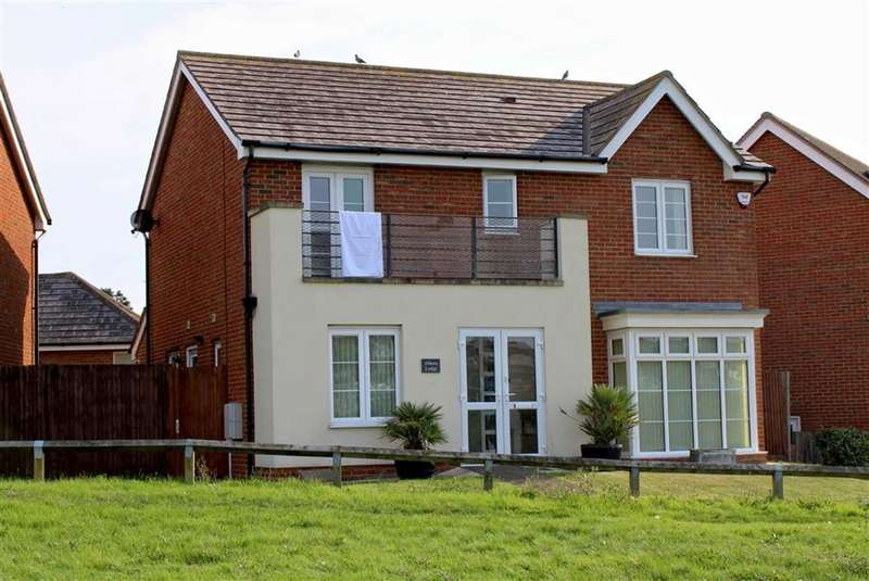 4 Bedrooms Detached House for sale in Hawth Hill, Seaford, East Sussex