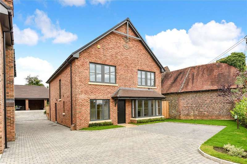 4 Bedrooms Detached House for sale in Bluebell Place, Farnham Road, Liss, Hampshire