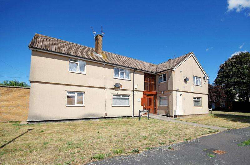 2 Bedrooms Apartment Flat for sale in Bradley Road, Patchway, Bristol