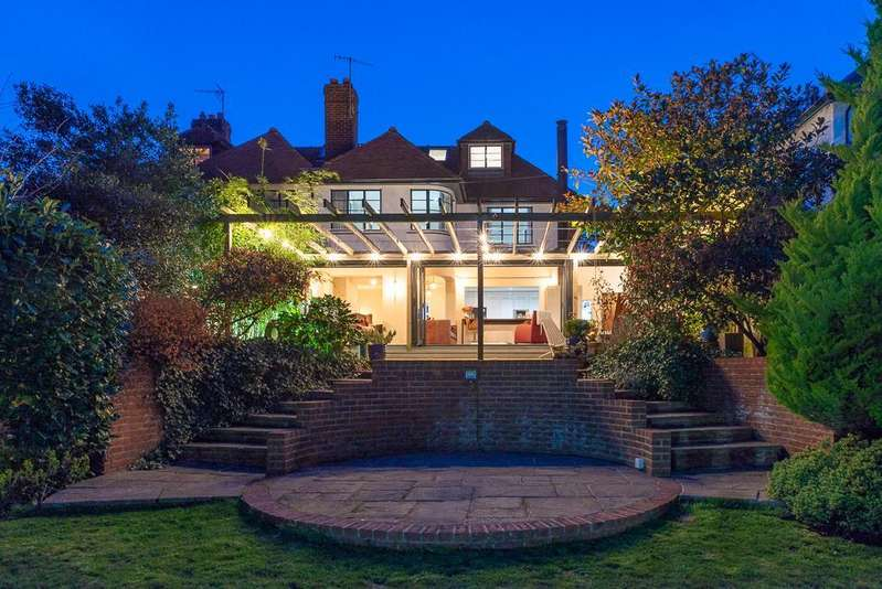 4 Bedrooms House for sale in Queens Road, Hertford
