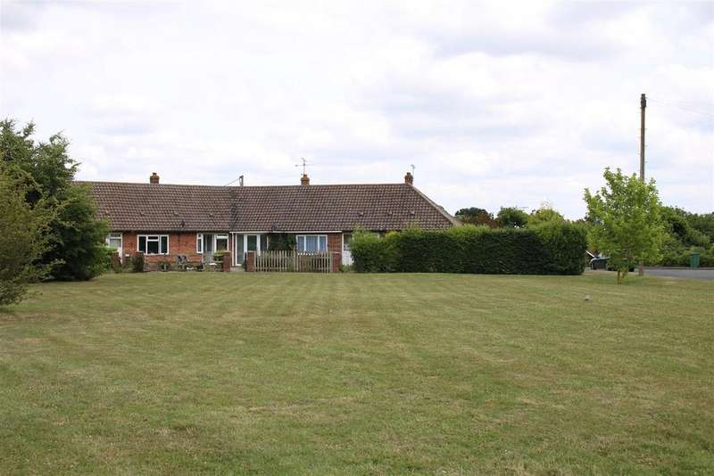 1 Bedroom Bungalow for sale in Stoneyfield, Beenham, Reading