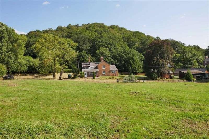 4 Bedrooms Detached House for sale in Hunters Crag, Lee Brockhurst, Shrewsbury, SY4