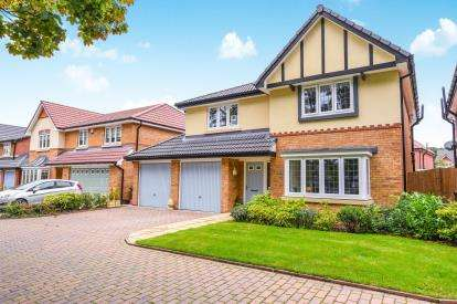 4 Bedrooms Detached House for sale in Marthall Drive, Eccleston, St. Helens, Merseyside, WA10