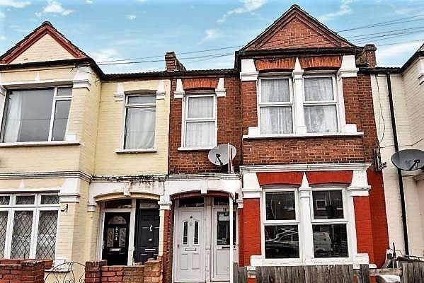 2 Bedrooms Maisonette Flat for sale in Bickley Street,, London SW17