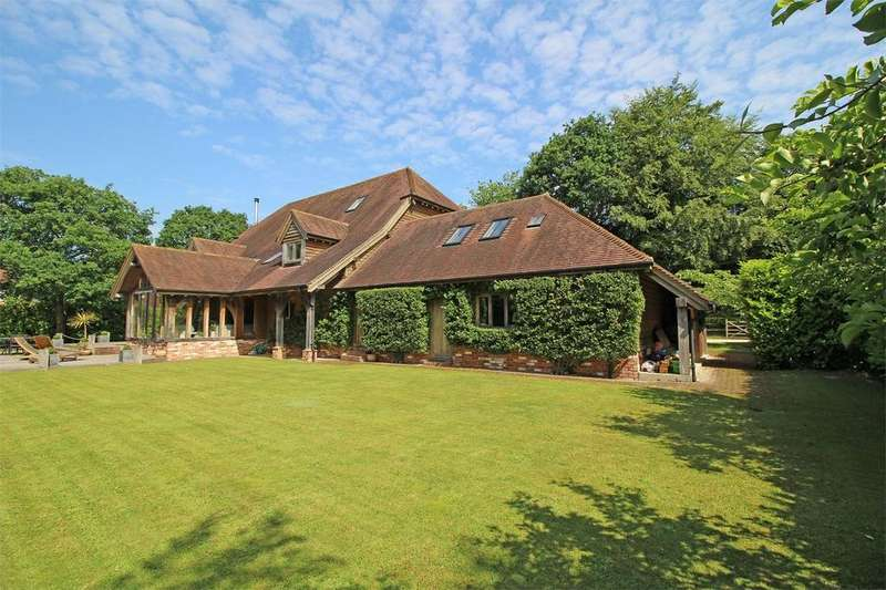 5 Bedrooms Detached House for sale in Straight Half Mile, Maresfield, East Sussex