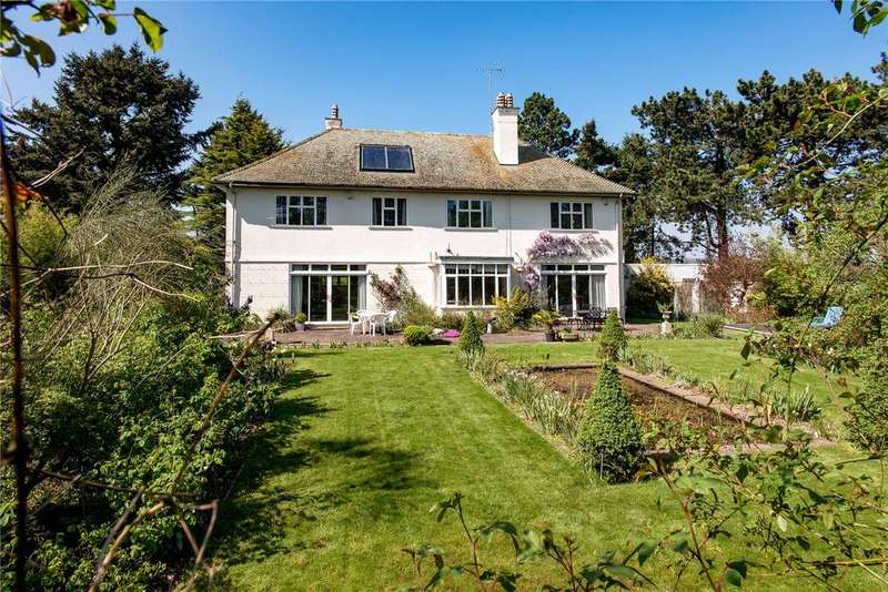 5 Bedrooms Detached House for sale in Chard Road, Axminster, Devon, EX13