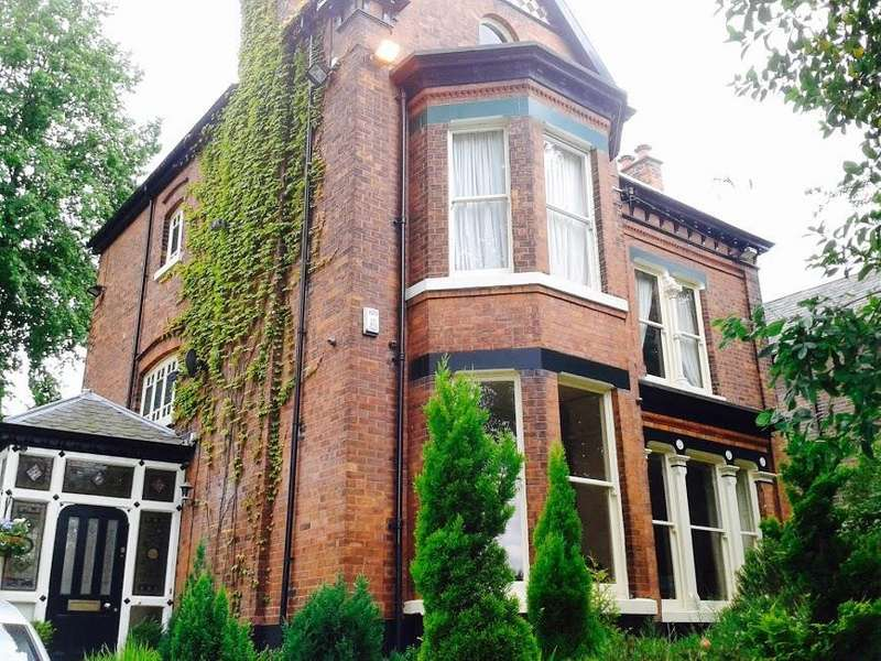 6 Bedrooms Detached House for sale in Manchester Road, Swinton, Manchester