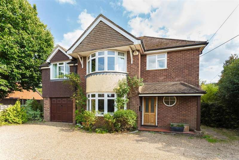 4 Bedrooms Detached House for sale in Swains Lane, Flackwell Heath
