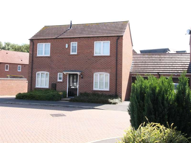 3 Bedrooms Detached House for sale in Denby Bank, Ripley