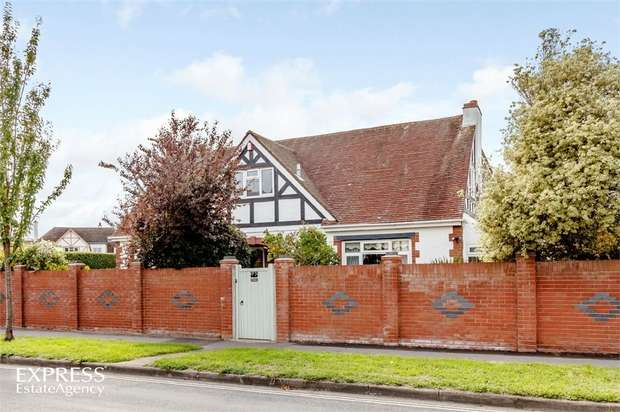 6 Bedrooms Detached House for sale in Milvil Road, Lee-on-the-Solent, Hampshire