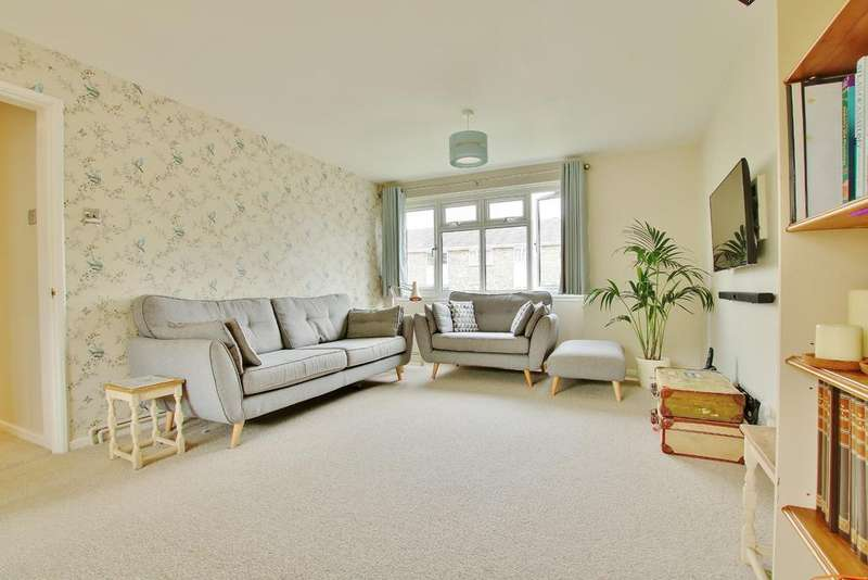 2 Bedrooms Ground Flat for sale in ROMSEY