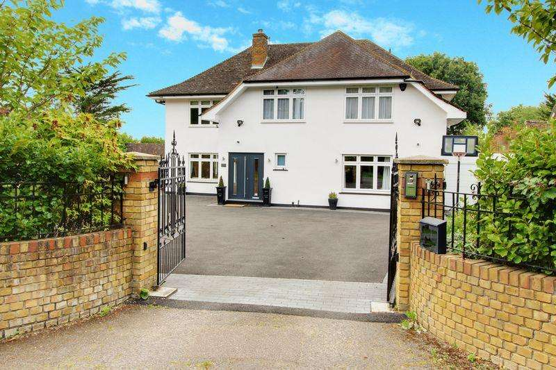 5 Bedrooms Detached House for sale in The Ridgeway, Northaw
