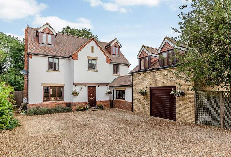 5 Bedrooms Detached House for sale in Connors Close, GUILDEN MORDEN, SG8