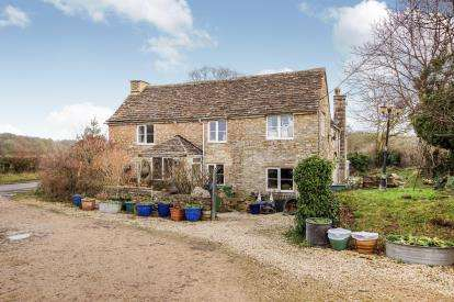 5 Bedrooms Detached House for sale in Bath Road, Willesley, Tetbury, Gloucestershire