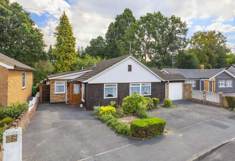 3 Bedrooms Detached Bungalow for sale in Sunninghill, Berks